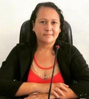 Vereadora Gersileide Moreira cobra explicações sobre a falta de merenda na Escola Municipal Siracusa.